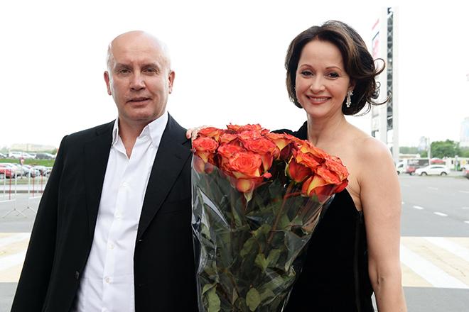 Фото №9 - Звездные пары, скрепившие брак венчанием