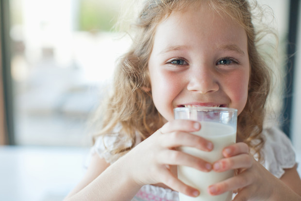 Польза молока для детей