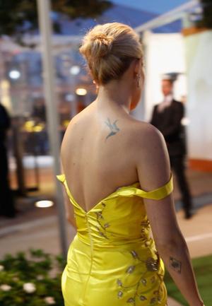 Фото №2 - Жирок и обвисшие колени: дочь Деми Мур запустила себя