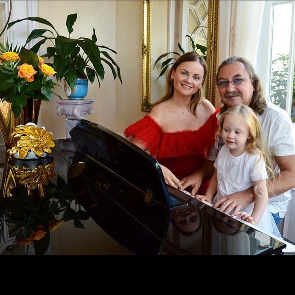 Игорь Николаев дочь фото