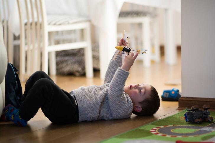 Фото №1 - «Сын постоянно ломает игрушки— как достучаться, что так делать нельзя?»