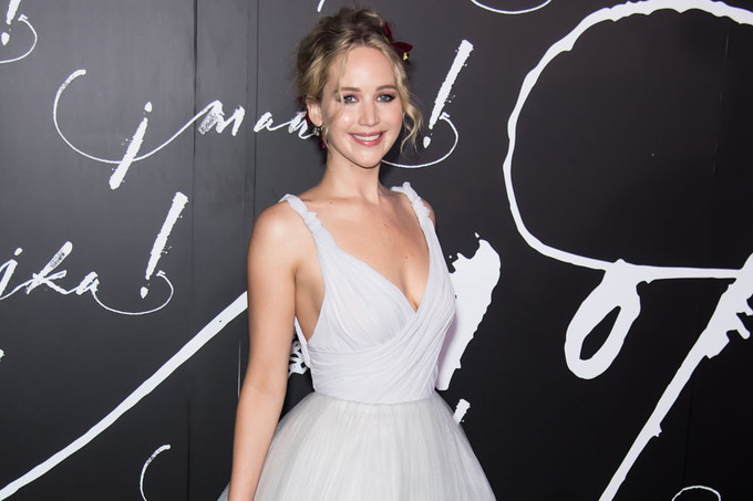 Дженифер Лоуренс (Jennifer Lawrence ) на церемонии вручения премии «Оскар», 24.02.13.