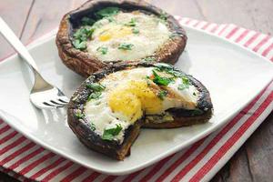 Фото №23 - 7 необычных и простых рецептов яичницы к завтраку