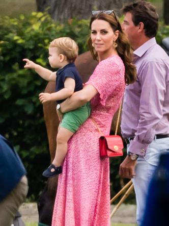 Фото №3 - Мамина копия: самые трогательные совместные фото герцогини Кейт и принца Луи