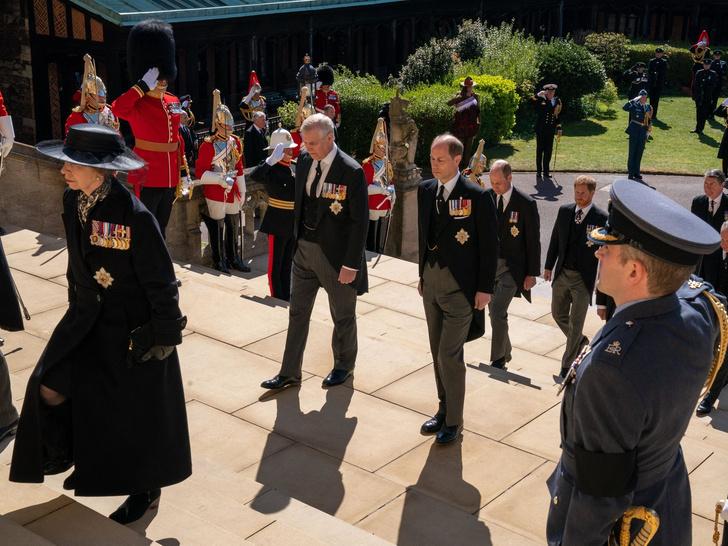 Фото №3 - Для одних трагедия, для других— возможность: как Эндрю надеялся использовать смерть принца Филиппа