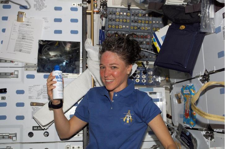 Фото №12 - Из космоса в тюрьму: как астронавтка победила силу притяжения, но не свою ревность, и пошла на убийство соперницы