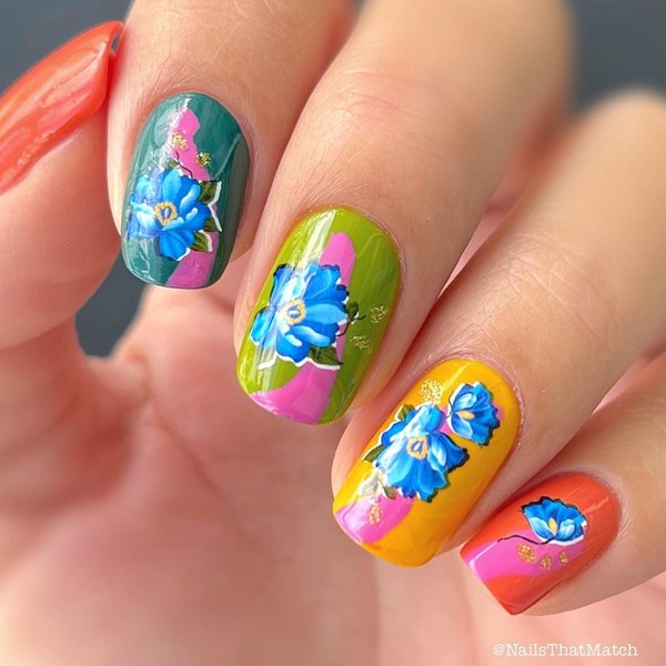 Фото №11 - Skittle nails: 12 идей конфетного маникюра