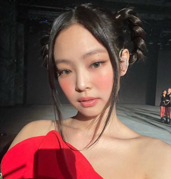 Фото №3 - В школу и на каждый день: 10 самых модных идей корейского макияжа