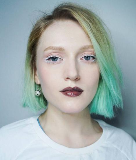 Фото №4 - Самые модные блески для губ: 7 красивых идей