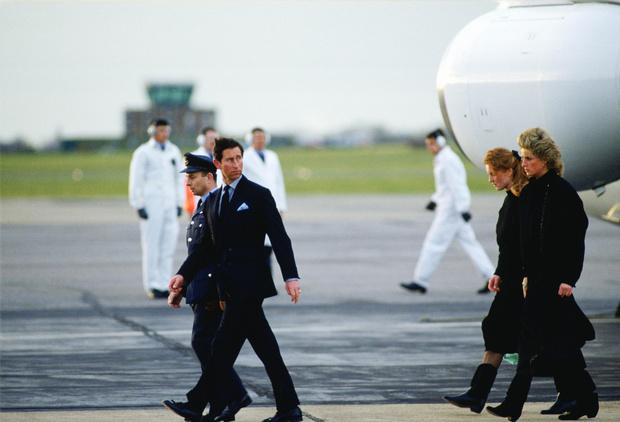 Фото №2 - Самые странные правила, которым обязаны следовать все члены королевской семьи