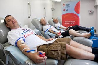 Фото №3 - Звезды поддержали донорство на Селигере свои примером