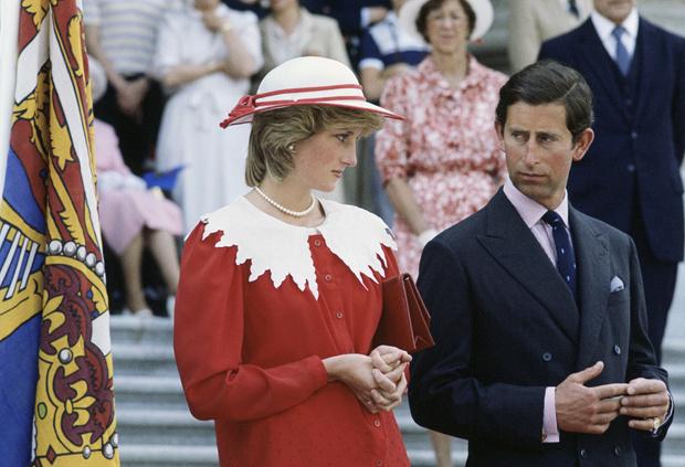 Фото №2 - Что заставило принцессу Диану окончательно разочароваться в принце Чарльзе после рождения Гарри