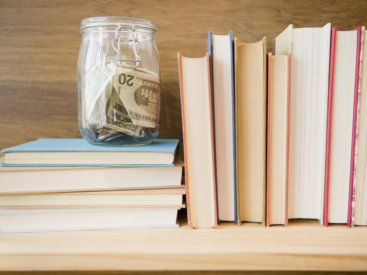 Фото №1 - Как заработать миллион: топ-7 книг, ведущих к успеху