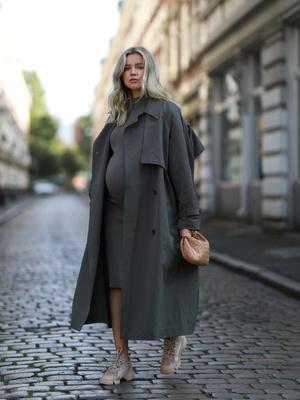 Фото №18 - Как одеваться стильно во время беременности: 9 советов для будущих мам