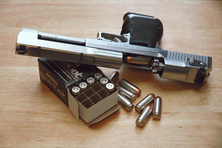 Фото №1 - 7 неожиданных фактов о пистолете Desert Eagle