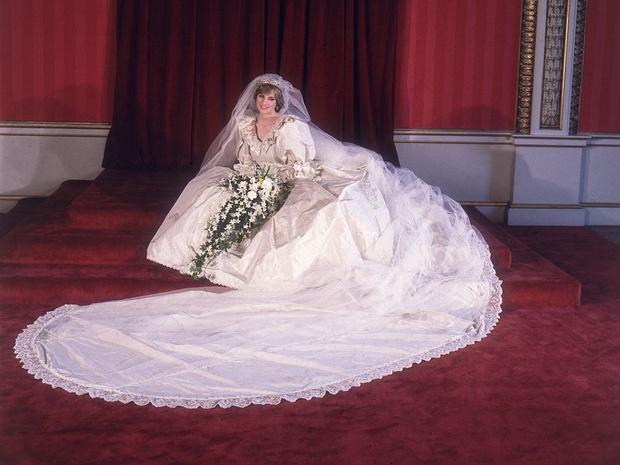 Фото №7 - Еще 20 любопытных правил королевского этикета, о которых вы могли не знать
