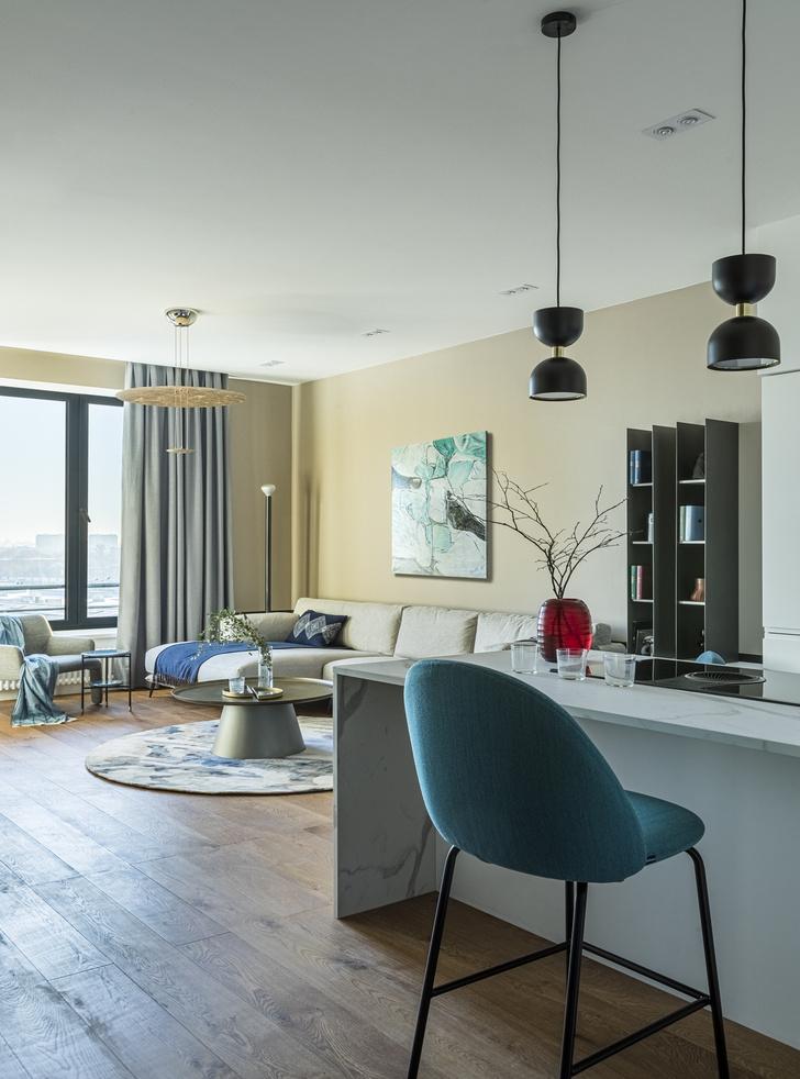 Фото №2 - Минималистичный интерьер в теплых тонах для двухкомнатной квартиры