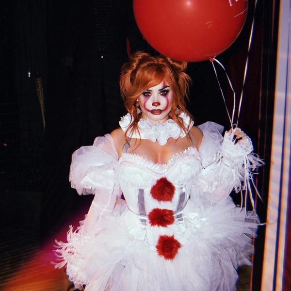 Фото №10 - Ужасно знаменитые: самые безумные костюмы селебов на Хэллоуин 🎃