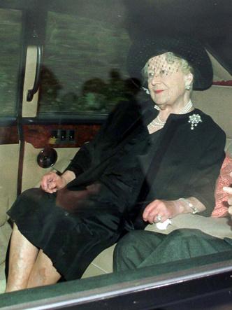 Фото №5 - Как смерть принцессы Дианы изменила отношение британцев к Королеве