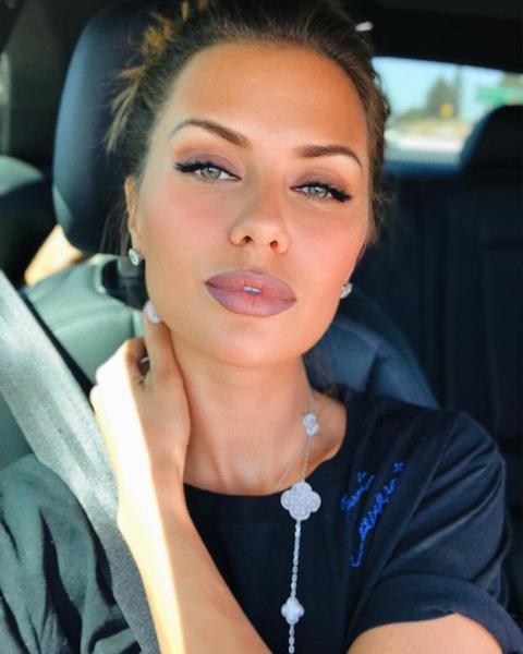 Названа самая популярная Instagram-девушка в мире
