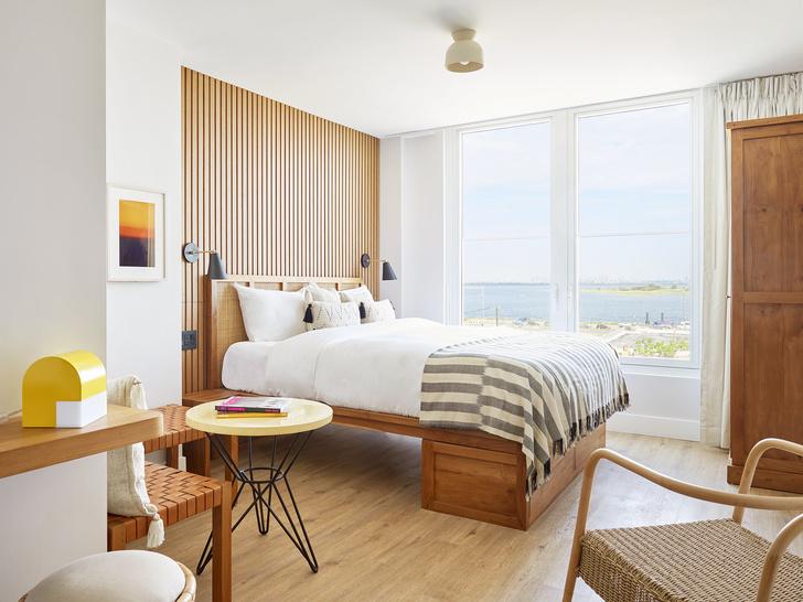 Фото №1 - Уютный светлый отель на Рокавей-Бич в Нью-Йорке