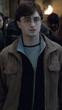 Фото №2 - Волшебно! 10 случаев, когда Гарри Поттер был почти иконой стиля 🤓