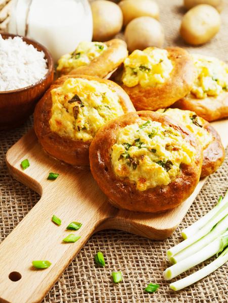 Фото №1 - Готовим сочные и нежные шаньги с творогом и сыром