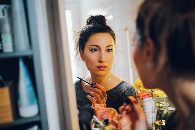 как правильно повесить зеркало для богатства и здоровья