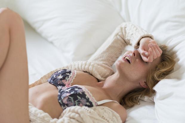 Фото №3 - «Пришлось признаться, что раньше я имитировала»: как научиться достигать оргазма