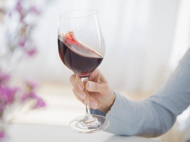 Фото №9 - Столовый этикет: как правильно подбирать бокалы под вино