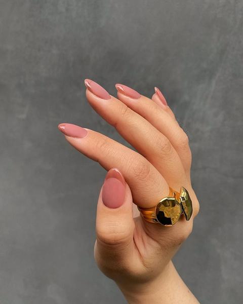 Фото №2 - Маникюр для длинных ногтей: 30 классных идей