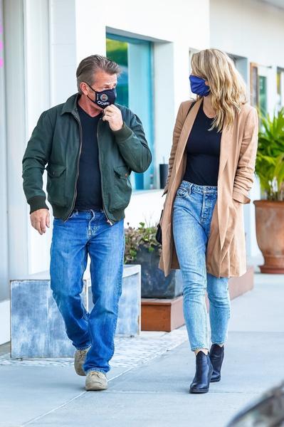Фото №4 - 60-летний Шон Пенн и его 29-летняя жена без фотошопа выглядят как ровесники