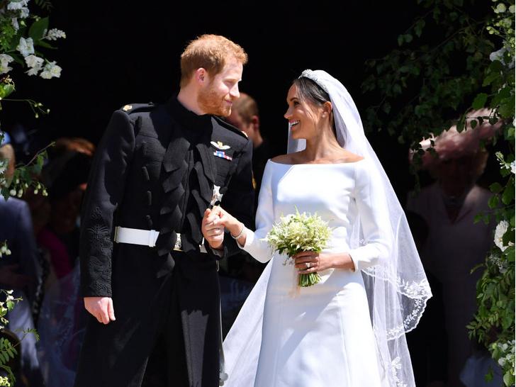 Фото №1 - Самое строгое правило, которое пришлось соблюдать всем гостям свадьбы Гарри и Меган