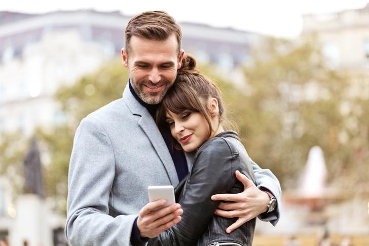 Фото №2 - Романтика, расчет или дружба: типы отношений в браке