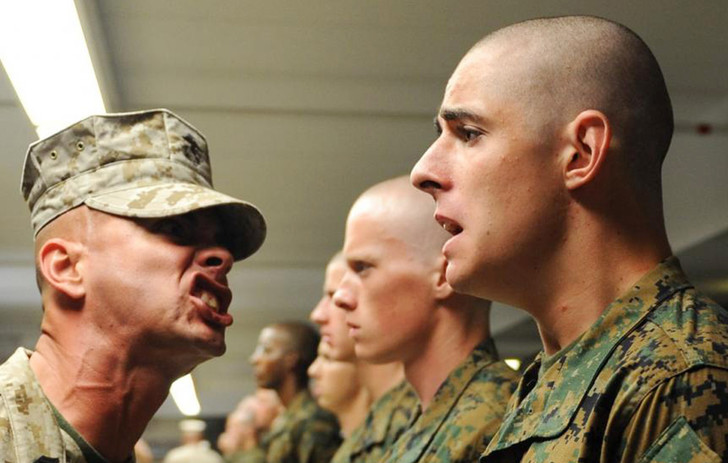 Фото №6 - Пусть сильнее грянет буллинг! Почему мужчинам так нравится издеваться друг над другом