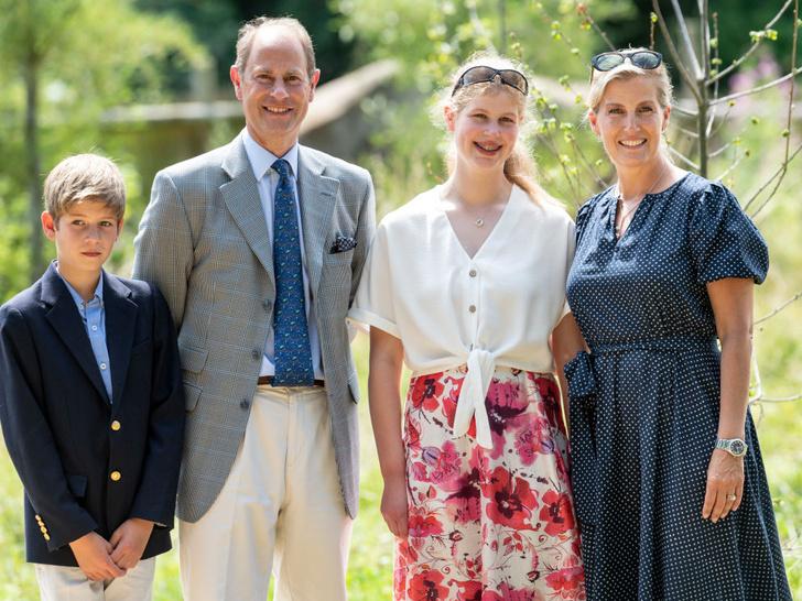 Фото №2 - Любимая внучка Ее Величества: 5 любопытных фактов о леди Луизе Виндзор