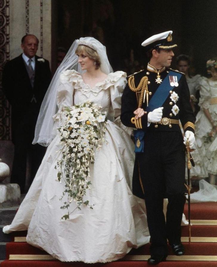 Фото №3 - Свадебное платье принцессы Дианы будет выставлено в Кенсингтонском дворце