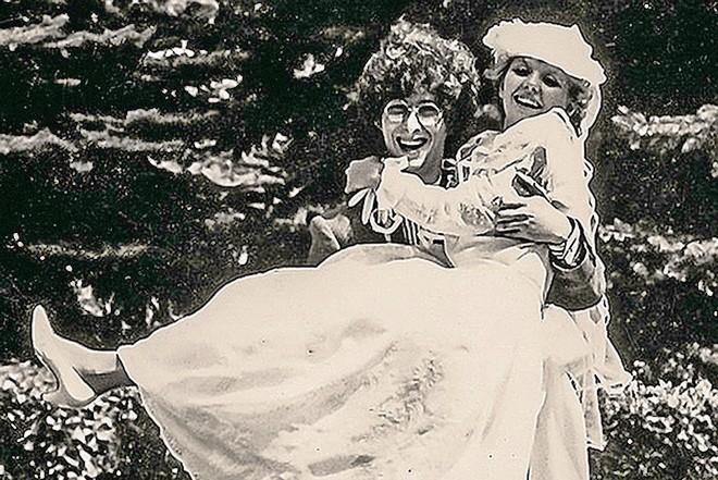 Фото №15 - 12 звезд, которые вышли замуж слишком рано