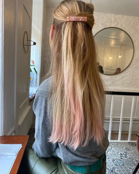 Фото №6 - Хвост как у Арианы Гранде и еще 7 стильных причесок для длинных волос