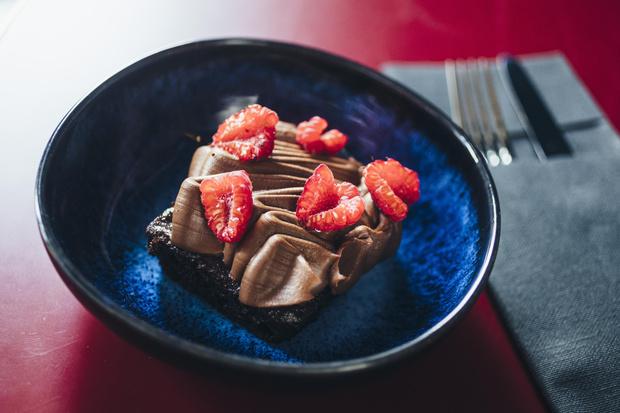 Фото №1 - Кухня ELLE DECORATION: шоколадный кекс