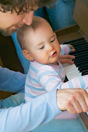 Фото №1 - Учим петь с рождения!