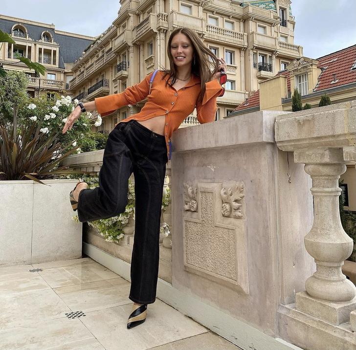 Фото №2 - Оранжевый + лавандовый— главное сочетание лета. Доказывает дочь Джуда Лоу