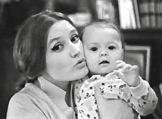Дочь Алентовой показала фото, на котором ее мама — копия ...