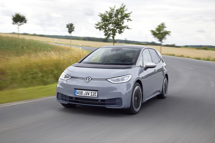 Фото №1 - И восхитительный хэтчбек! Новый Volkswagen ID3 пробует себя в роли Прометея