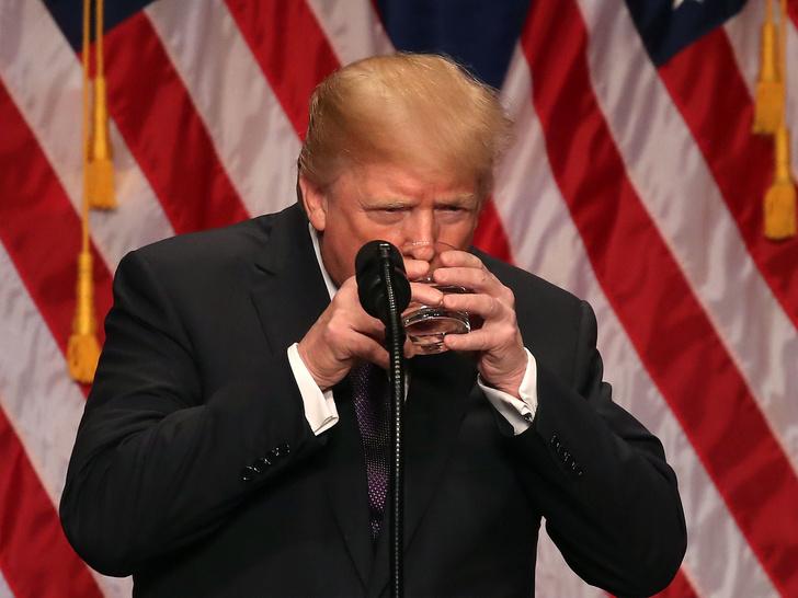 Фото №3 - Причуды президента: 12 наиболее странных (и нездоровых) привычек Дональда Трампа