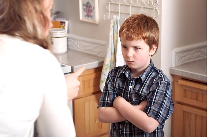 Фото №1 - Плохие школьные оценки: ругать ребенка или утешать?