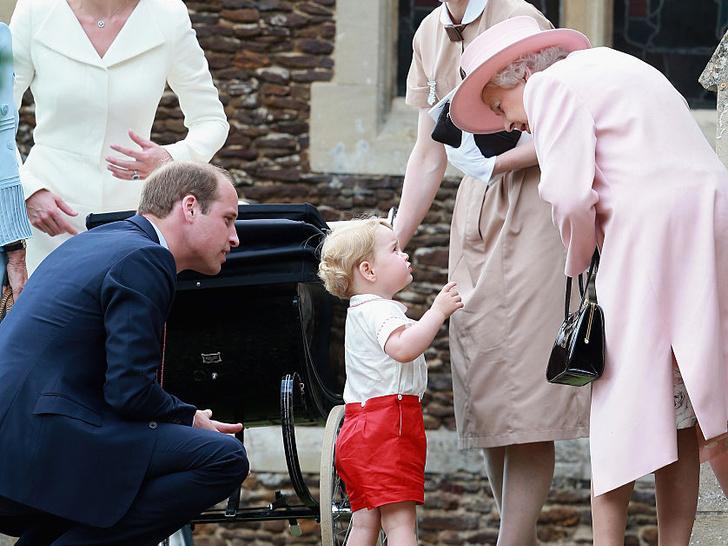 Фото №4 - Как Диана обращалась к Королеве до свадьбы с Чарльзом (спойлер— весьма неожиданно)