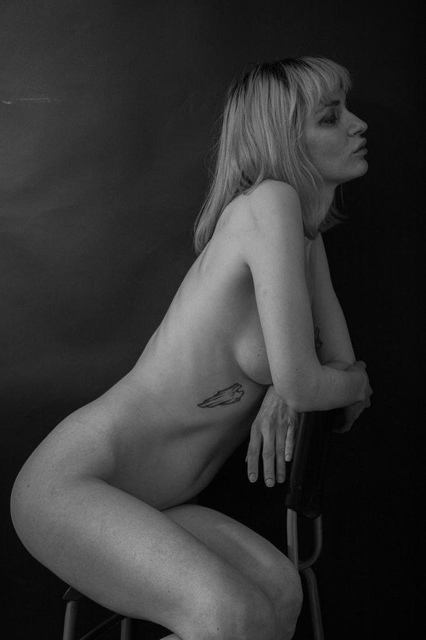 Фото №9 - #Нюдсочетверг: откровенные фотографии самых красивых девушек из «Твиттера». Выпуск 3
