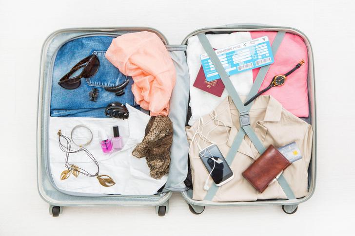 Фото №1 - Чек-лист путешественника: что обязательно нужно взять в летнюю поездку