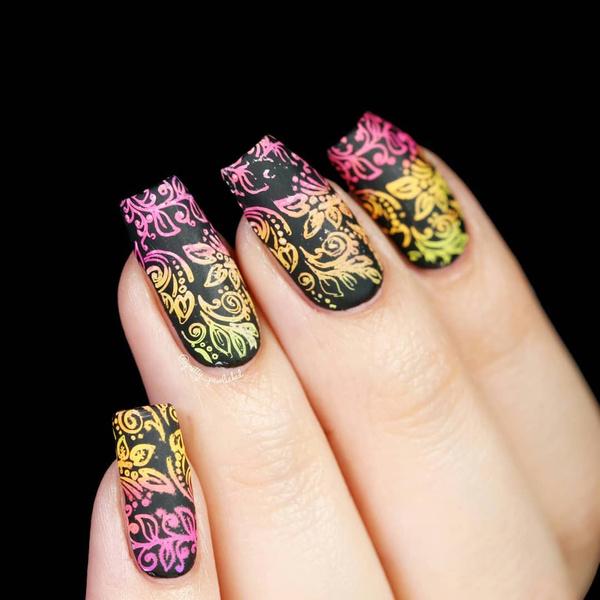 Фото №8 - Неоновый маникюр: 8 самых крутых дизайнов для длинных ногтей